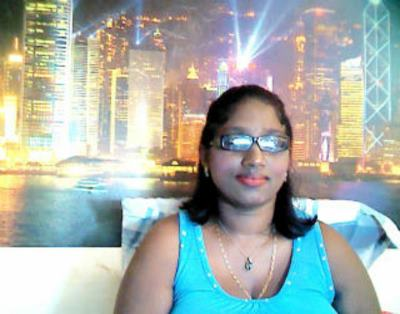 IndianBlu, 40 – Live Adult cam-girls and Sex Chat on Livex-cams
