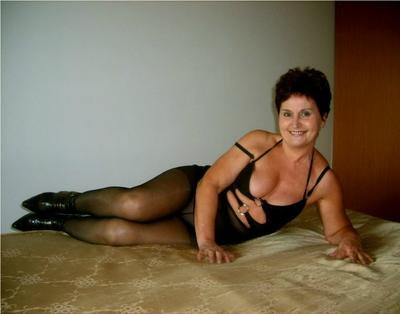 LadyNicol, 59 – Live Adult cam-girls and Sex Chat on Livex-cams